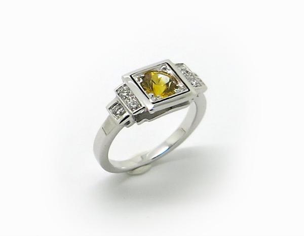 Bague d'inspiration Art Déco Or blanc, Saphir jaune et Diamants