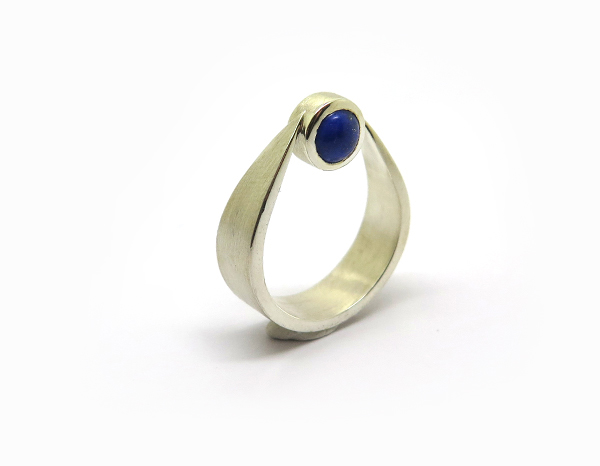 Bague de createur en lapis lazuli paris