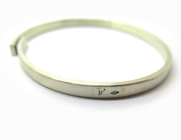 Bracelet signé pour homme paris