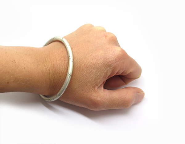 Bracelet gravé pour homme