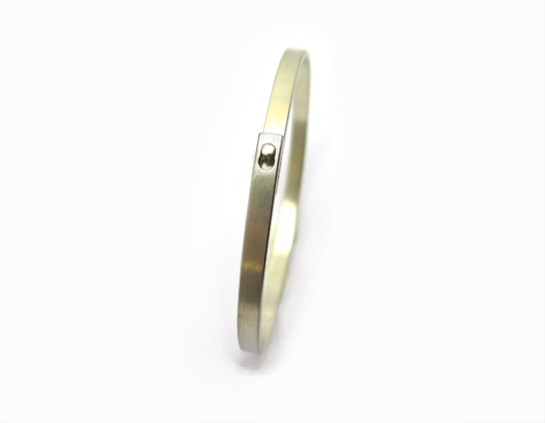 Bracelet rigide avec fermoir pour homme