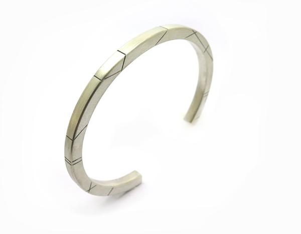 Bracelet section carré pour homme
